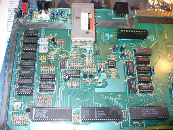 Atari 800XL board before modification